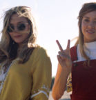 Aubrey Plaza, Elizabeth Olsen in Ingrid Goes West